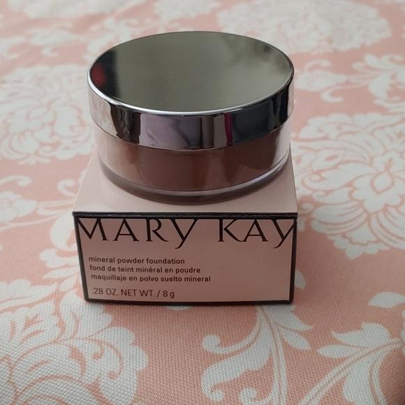 Mary Kay mineral powder foundation bronze 2